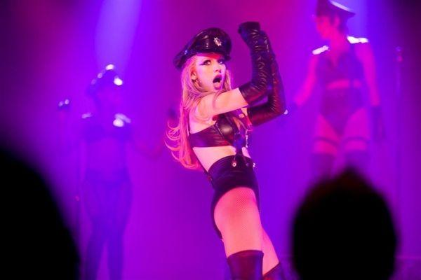 Christina Aguilera – Tough Lover Live from Burlesque 2010